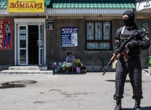 Ucraina, inainte de alegeri: Luhansk declara legea martiala si cere soldati rusi