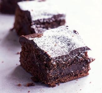 Un dulce de weekend: Negresa cu multa ciocolata