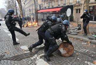 Vestele galbene: Noul bilant al violentelor de sambata - 179 de raniti, peste 1.200 de arestati