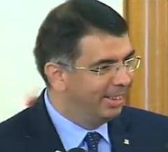 """Violul de la Vaslui - Cazanciuc se simte """"dojenit"""" dupa ce Ponta l-a amenintat cu demiterea: Numai tata sa nu fii"""
