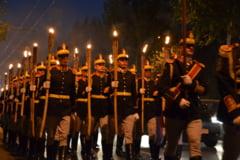 Ziua Armatei: Parada cu torte, in pas de mars (Galerie foto)