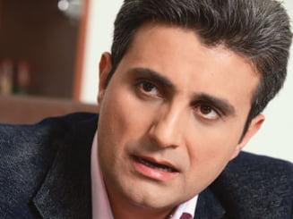 Zvon pe blog: Robert Turcescu, in carti pentru sefia TVR