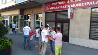 #FaraPenali: Inca doua judete au trecut in weekend pragul de semnaturi. S-au adunat si in fata sediilor PSD