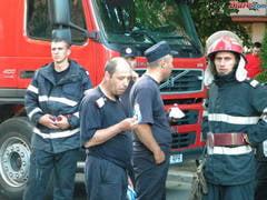 #Colectiv Pompierii il apara pe prim adjunctul de la ISU Bucuresti: Schiopu a salvat vieti la Colectiv