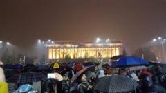 #rezist A 24-a zi de protest in Piata Victoriei