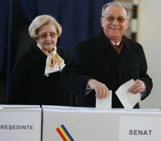 """AUDIO Ion Iliescu nu voteaza la alegerile parlamentare. Nina Iliescu: """"Suntem acasa, suntem in ordine. Nu avem coronavirus, am facut testul si nu avem"""""""