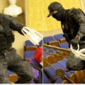 Atacul de la Capitoliu. Un veteran al Fortelor Aeriene ale SUA a fost fotografiat in Senat, avand catuse flexibile in maini