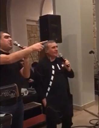 """EXCLUSIV VIDEO Fabulos. Imagini de senzatie cu Gica Hagi care canta melodiile lui Dinamo. """"Cei ce sunt dinamovisti..."""""""