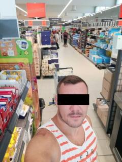 "FOTO ""Conspirationistii"" din Romania sfideaza pandemia si se pozeaza fara masca in metrou, autobuze si in magazine. Se fac pregatiri pentru protestul ""Fara Botnita"""