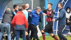 FOTO Bataie ca-n filme la Timisoara, intr-un meci din Liga 3