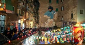 FOTO Durere fara margini la Napoli dupa moartea lui Maradona. Lumea a iesit pe strazi