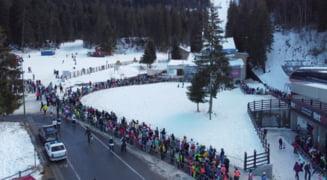 FOTO Imagini incredibile la Poiana Brasov in prima zi de vacanta. Sute de oameni se inghesuie pentru a urca pe partia de schi