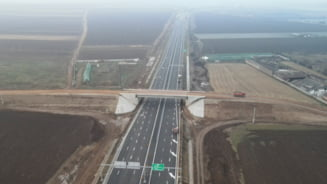 FOTO VIDEO Autostrada Sebes-Turda, cu 24 de ore inainte de inaugurare. Ce arata imaginile din drona despre stadiul lucrarilor