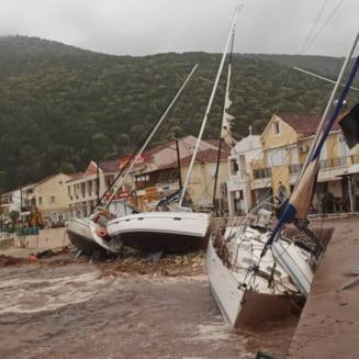 """FOTO VIDEO Vestul Greciei, lovit de un ciclon tropical mediteranean. """"Cadeau copaci peste tot"""""""