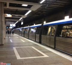 UPDATE: Tentativa de sinucidere la metrou - O femeie ajunsa pe sine a fost lovita de tren
