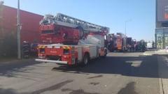 UPDATE Incendiu in Bucuresti la un mare magazin de mobila din zona mall-ului Baneasa: Doua victime, fumul a acoperit o zona de 200 mp