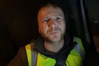 VIDEO Activist de mediu, ranit dupa ce a urmarit un transport suspect de lemne. Tanarul a fost atacat si lovit cu pietre