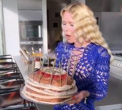 VIDEO Cum arata fotomodelul Claudia Schiffer la 50 de ani