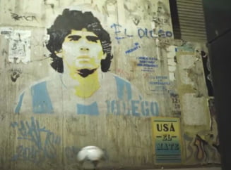 VIDEO Imaginile care au indurerat o lumea intreaga. O minge ii spune adio lui Maradona