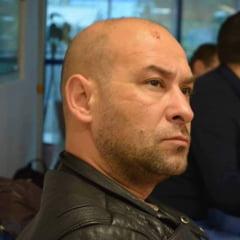"""VIDEO Jurnalistul Sebastian Oancea acuza ca a fost incatusat si batut de politisti in Centrul Vechi: """"Voi face plangere penala"""""""