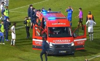 VIDEO Momente teribile. Un fotbalist, la un pas de moarte pe teren. Medicii s-au luptat minute in sir sa-l salveze