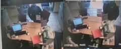 VIDEO Momentul in care banca din Bucuresti a fost jefuita cu un simplu biletel. Actiunea filmata de camera de supraveghere