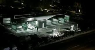 VIDEO Politista, megafonul si spalatoria auto. Cum au fost treziti din somn locuitorii unui cartier din Suceava