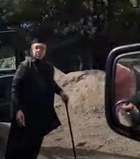 VIDEO Scandal la Manastirea Agapia. Cum au fost duse mai multe maicute si un preot sa voteze