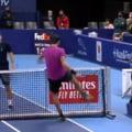 VIDEO Scene incredibile la un turneu de tenis. Rusul Khachanov, aproape sa rupa fileul, apoi a dat cu racheta in scaunul arbitrului