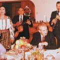 """VIDEO Ultimul discurs al lui Ceausescu de Anul Nou - obsesia pentru """"visul de aur al omenirii pana in 2000"""". In ce consta Revelionul la romani inainte de '89"""
