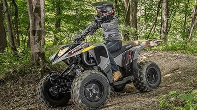 VIDEO Un grup de turisti a ignorat restrictiile si a intrat cu ATV-urile in Parcul National Piatra Craiului
