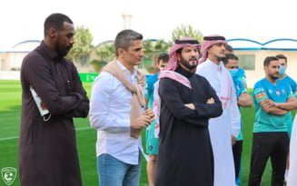 VIDEO EMOTIONANT Razvan Lucescu a plans la plecarea de la Al Hilal. Fotbalistii sai, in lacrimi