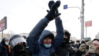 VIDEO LIVE Proteste masive in Rusia fata de arestarea lui Navalnii. Peste 2.500 de persoane retinute, 40 de politisti raniti