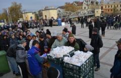 1.500 de portii de fasole cu ciolan, impartite de revolutionari de Ziua Lugojului