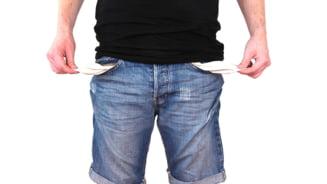 1 din 4 angajati din Romania se descurca greu cu banii si se imprumuta lunar