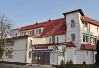 """1 martie - Martisor muzical, in cadrul Clubului Artelor, la Biblioteca Judetene """"I.H. Radulescu"""""""