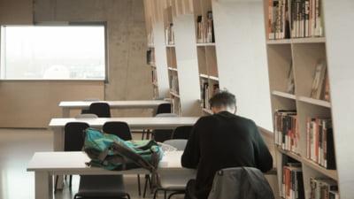 10 elevi, nevoiti sa repete prima proba la examenul de Evaluare Nationala, dupa ce au primit subiectele gresite