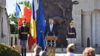 10 generali ai SRI au fost trecuti in rezerva de Iohannis. Elena Istode, care a fost in vacante cu Rizea, pe lista