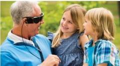 10 pacienti orbi vor primi ochi bionici pentru o perioada de test. Iata cum functioneaza