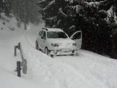 10 sfaturi utile pentru condusul pe zapada