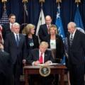 100 de companii contesta decretul anti-imigranti al lui Trump. Apple, Google si Microsoft, printre semnatari