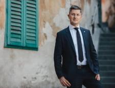 100 de membri USR ii reproseaza lui Dan Barna ca si-a aratat sustinerea pentru cinci candidati la europarlamentare