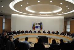 101 primarii din Olt au primit bani din Fondul de rezerva al Consiliului Judetean