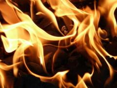 123 de morti in Pakistan, dupa ce un camion a luat foc iar oamenii au venit sa ia petrolul varsat