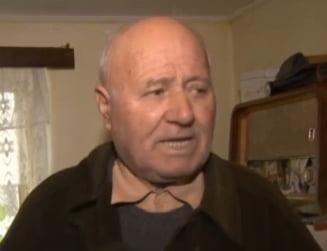 "127 de sateni din Nana au sechestru pe terenuri: ""De la Basescu ni se trage"""