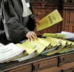 14 persoane acuzate de un prejudiciu de 20 milioane euro, trimise in judecata