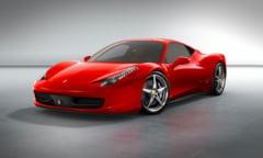 15 romani au comandat cel mai nou model de Ferrari