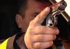16 focuri de arma trase dupa un sofer fugar