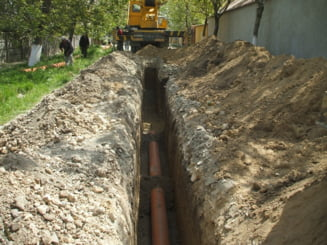 2 din 5 locuitori ai Romaniei au acces la sistemele de canalizare - raport INS 2011