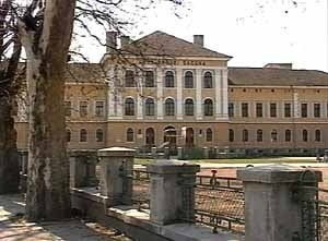 "2 medii de 10 are judetul Brasov, la evaluarea Nationala si ambele provin de la Colegiul National ""Andrei Saguna"" Brasov"